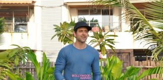 Hrithik Roshan celebrates 42nd birthday with media