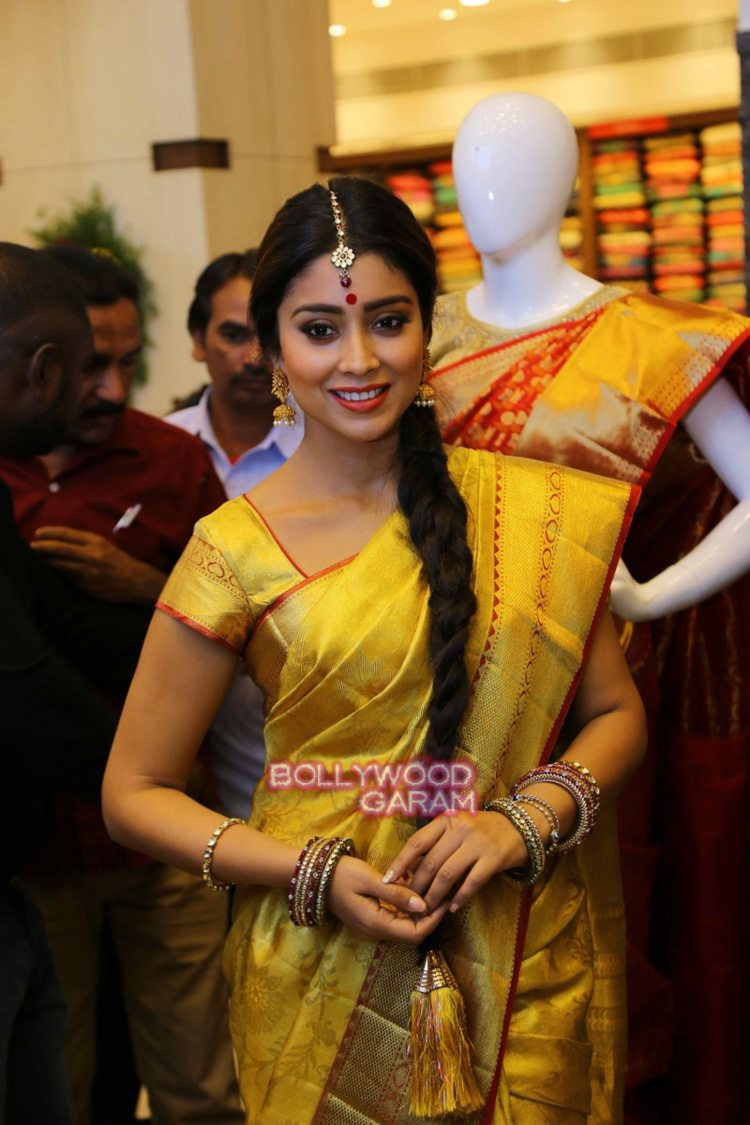 Shriya sari showrom10