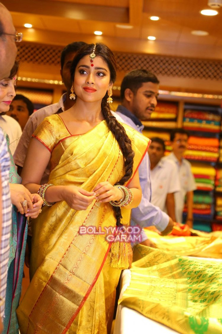 Shriya sari showrom5