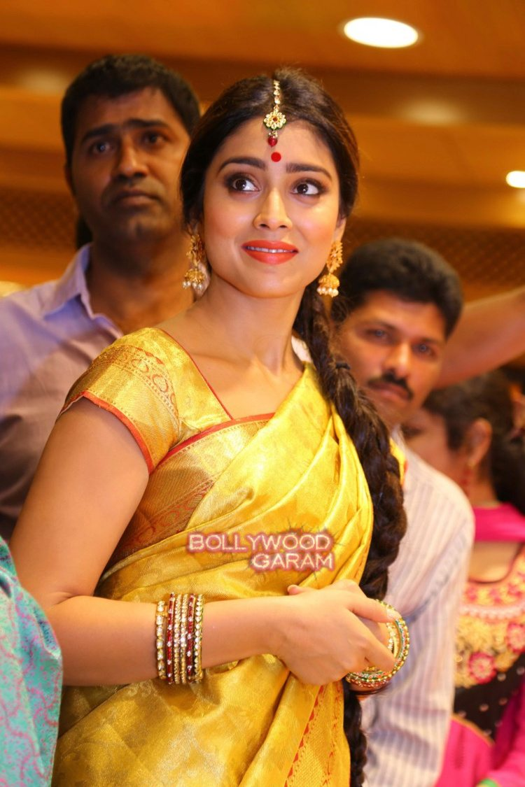 Shriya sari showrom7