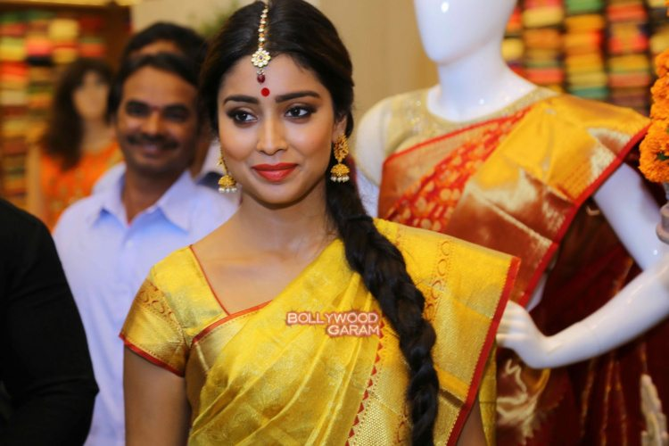 Shriya sari showrom9