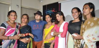 Sonu Nigam launches unique band comprising transgenders
