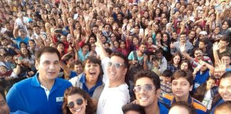 Akshay Kumar and Nimrat Kaur promote Airlift at Max Bupa Walk for Health event