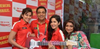 Bollywood celebrities gather to support Standard Chartered Mumbai Marathon – Photos