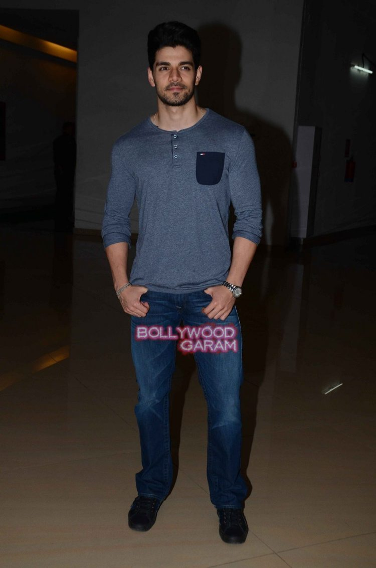 ALigarh sooraj screening1