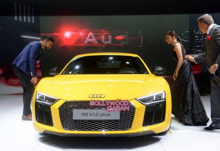 Celebrities auto expo4
