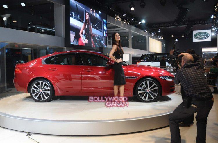 Katrina ranbir auto expo1