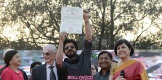 Shahrukh Khan collects his degree at Delhi college