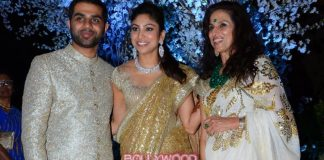 Kangana Ranaut and Simi Garewal at Shobha De's daughter's wedding reception