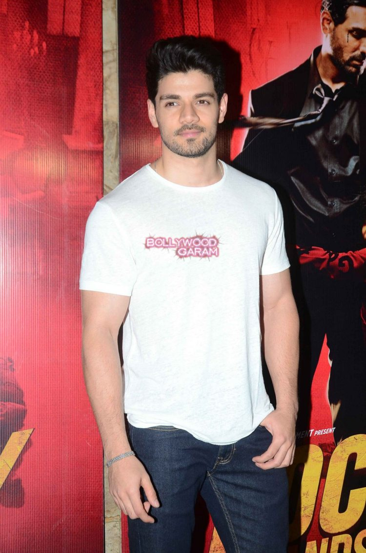 Rocky handsome screening1