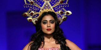 Amazon India Fashion Week Autumn Winter 2016 Photos – Shriya Saran turns showstopper for Anaikkas