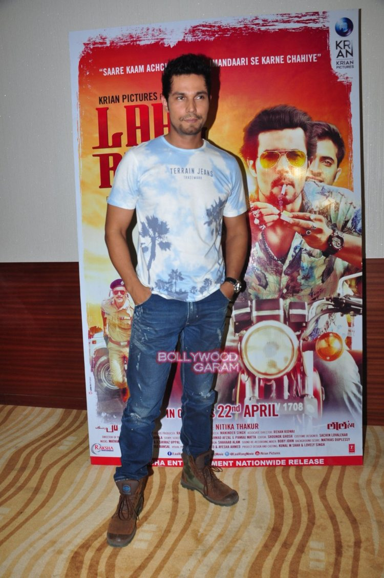 Laal rang promotions3