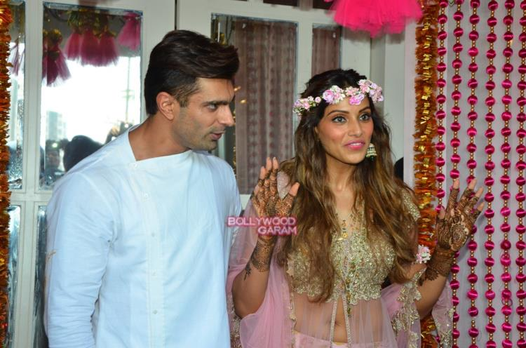 Bipasha wedding3(86cbd771-800e-4d51-870e-65359418e60d)