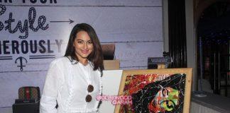 Sonakshi Sinha, Elli Avram and Gul Panag grace Elle Breast Cancer Campaign event