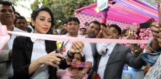Karisma Kapoor inaugurates new kids wear store in Delhi
