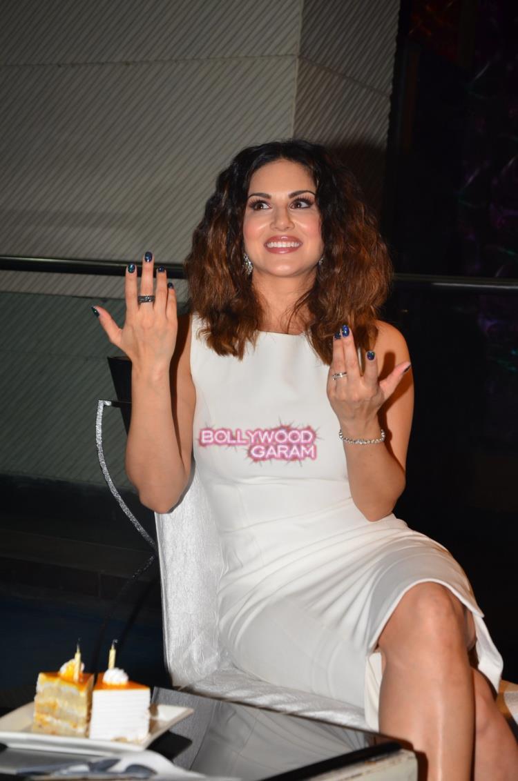 Sunny Leone bday4