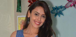 Pretty Hrishita Bhatt promotes Junooniyat