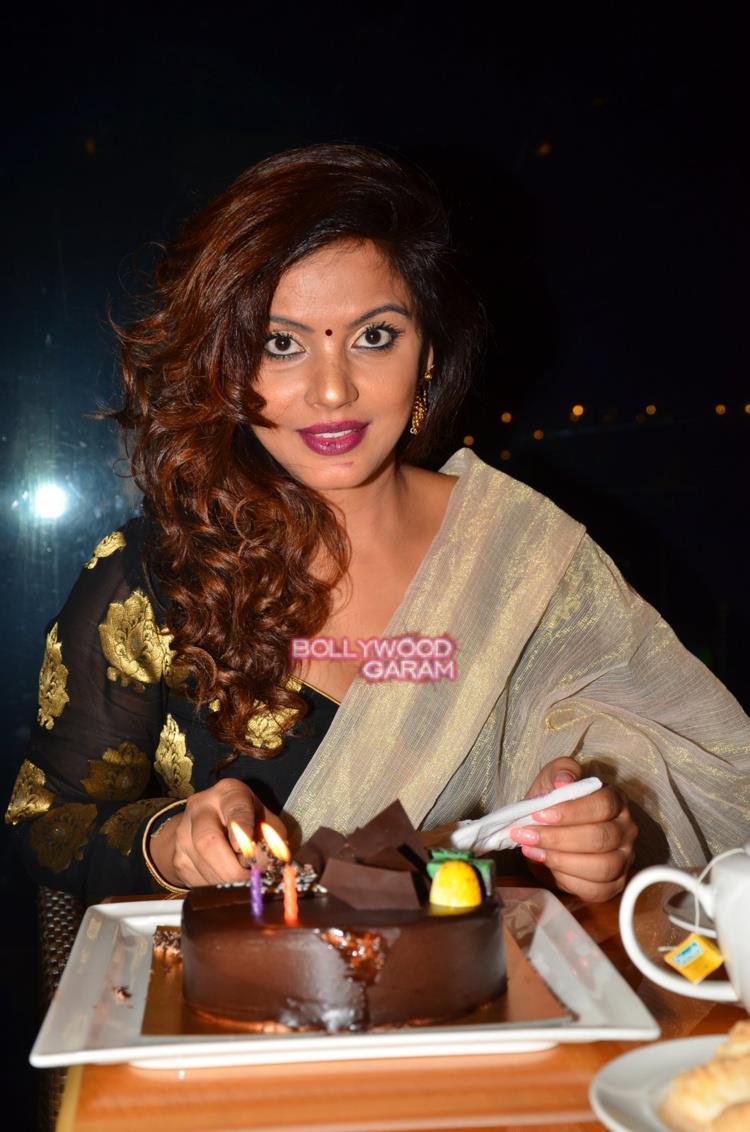 Neetu chandra birthday3