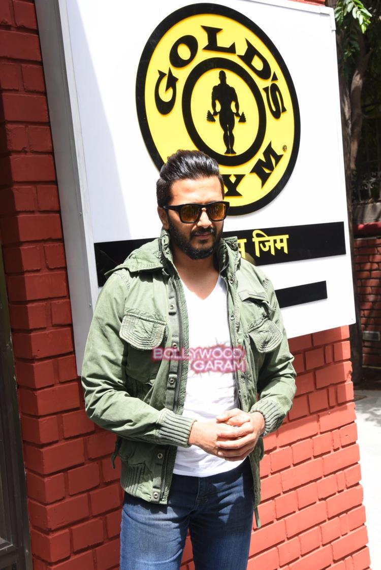 Riteish gold's gym1