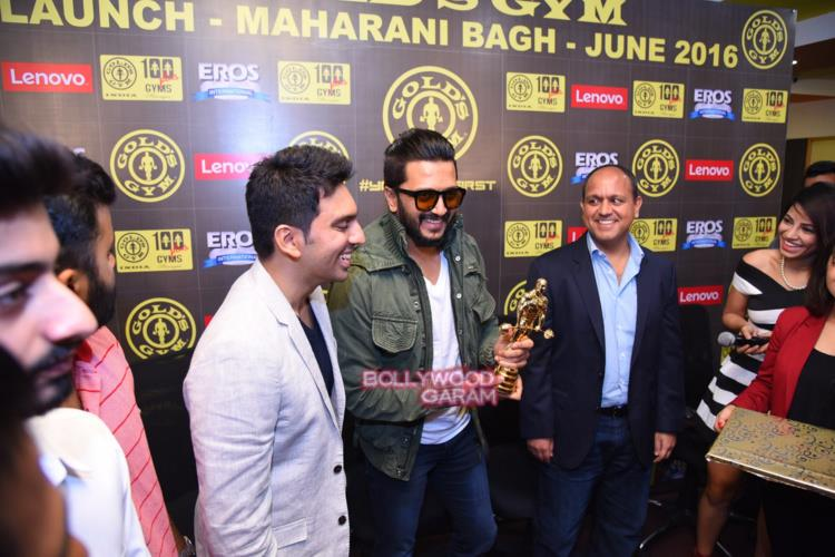 Riteish gold's gym5