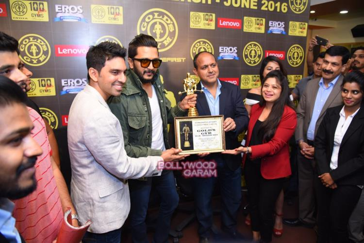 Riteish gold's gym6