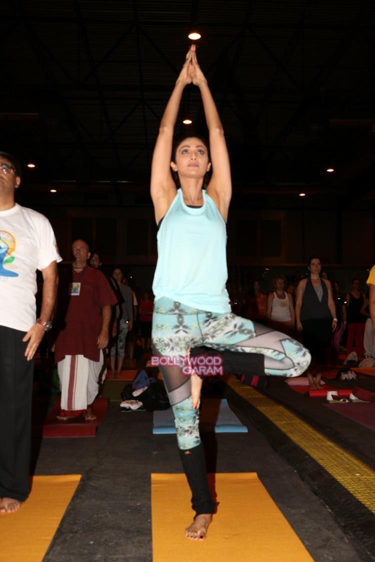 Shilpa yoga3