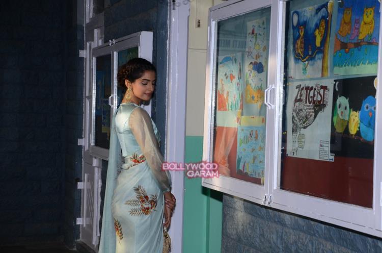 Sonam Kapoor neerja4