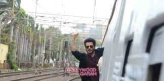 Anil Kapoor promotes 24 with local train passengers