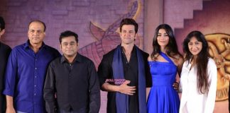 Hrithik Roshan and Pooja Hegde perform at Mohenjo Daro event