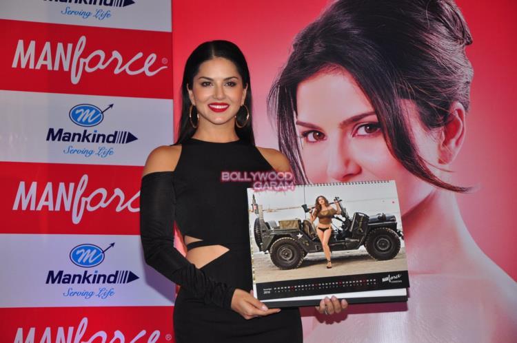 Sunny Leone calendar7