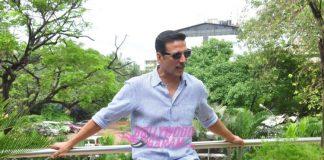 Akshay Kumar promotes Rustom