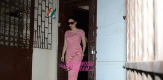 Kareena Kapoor smiles as she leaves Shankar Mahadevan's recording studio