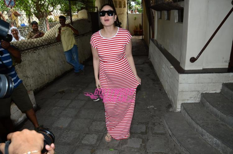 Kareena Baby Bump5