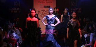 Lakme Fashion Week Winter Festive 2016 Photos – Lara Dutta is Esha Amin showstopper