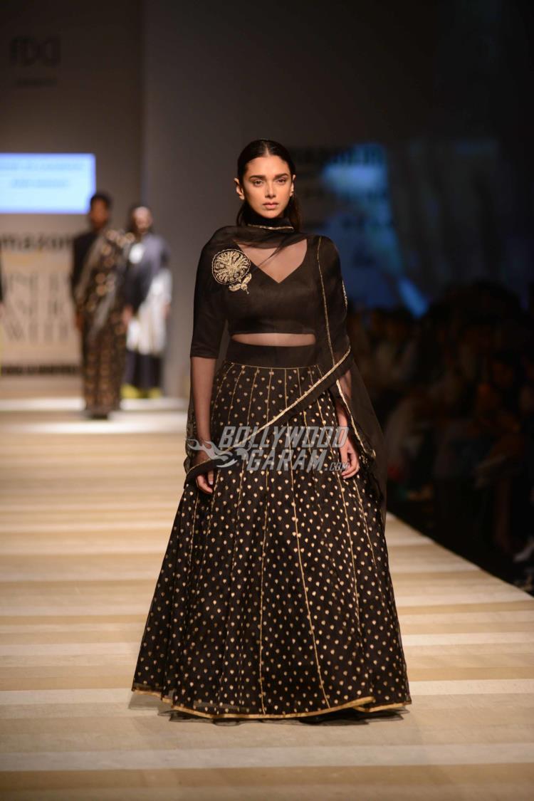 amazon-fashion-week1