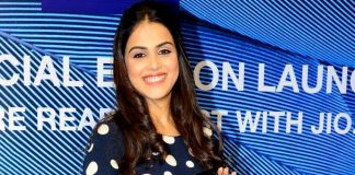 Genelia D'Souza launches Reliance Jio special Lyf F1 smartphone