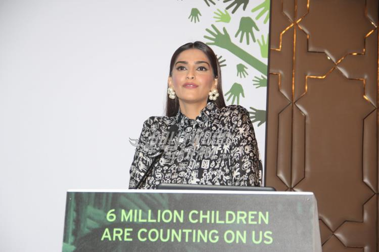 sonam-fight-hunger3