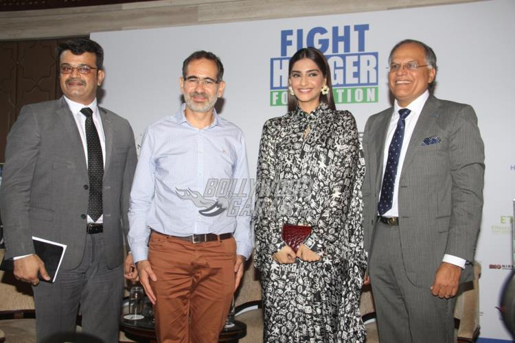 sonam-fight-hunger4