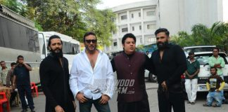 Suniel Shetty and Jackie Shroff have fun on sets of Yaadon Ki Baraat