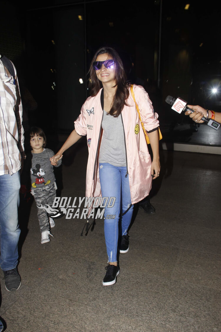 airport-fashion-aliabhatt-abraham1