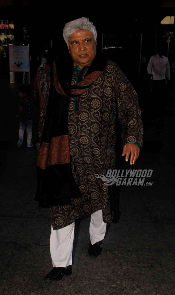 airport-fashion-javed-akhtar