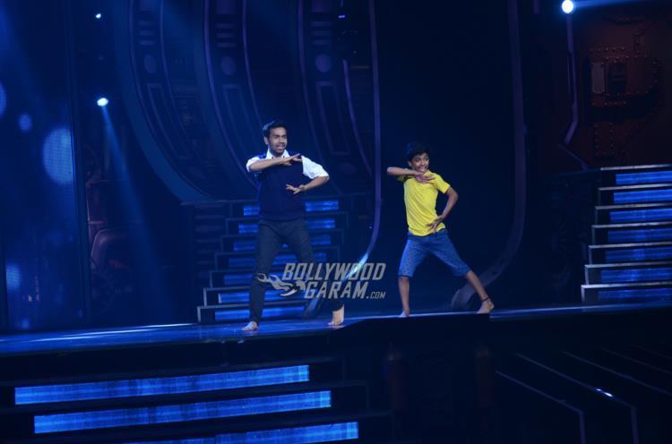 vidya-super-dancer3