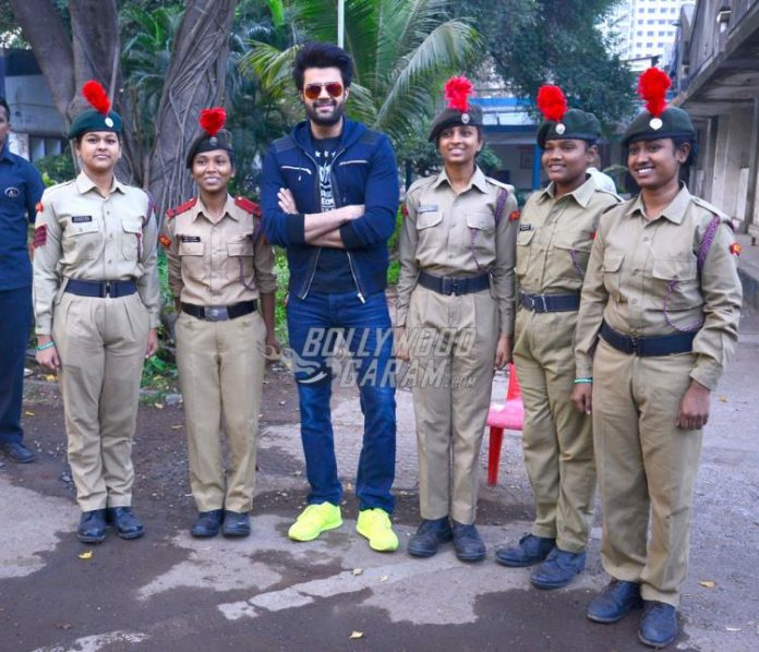 walkathon-manish-paul1