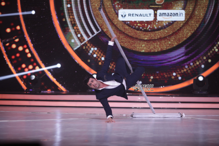 12-fun-moments-of-judges-and-host-on-the-set-of-jhalak-dikhhla-jaa-12