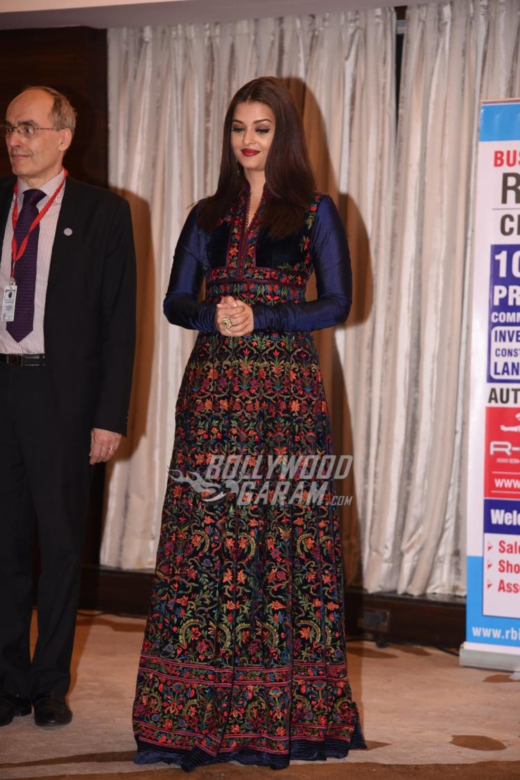 aishwarya-with-teacher3