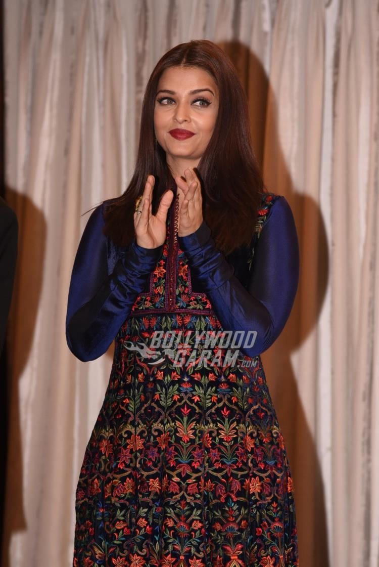 aishwarya-with-teacher4