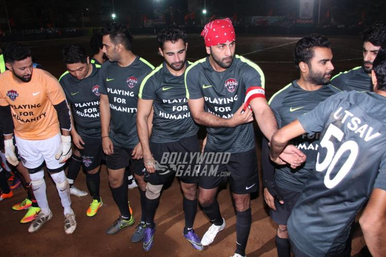 ranbir-friendly-match4