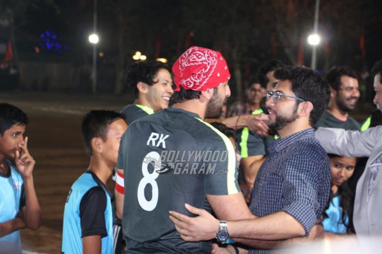 ranbir-friendly-match6
