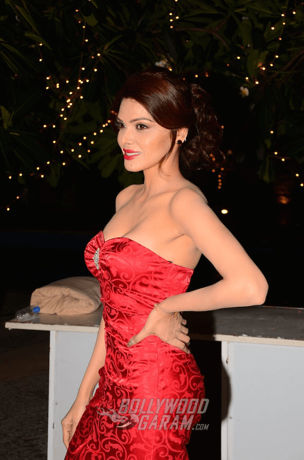 sherlyn-chopra-bright-beauty-contest3-1