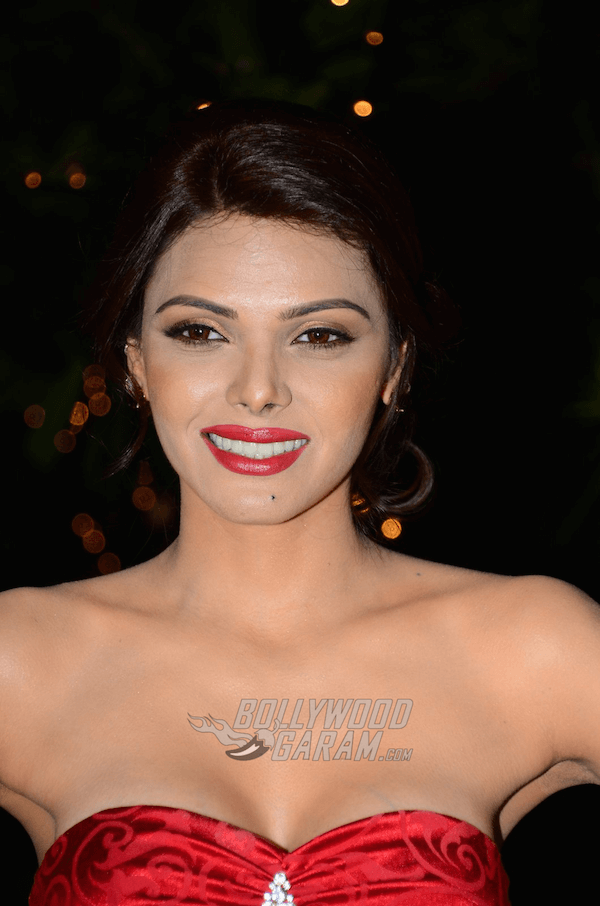 sherlyn-chopra-bright-beauty-contest6-1